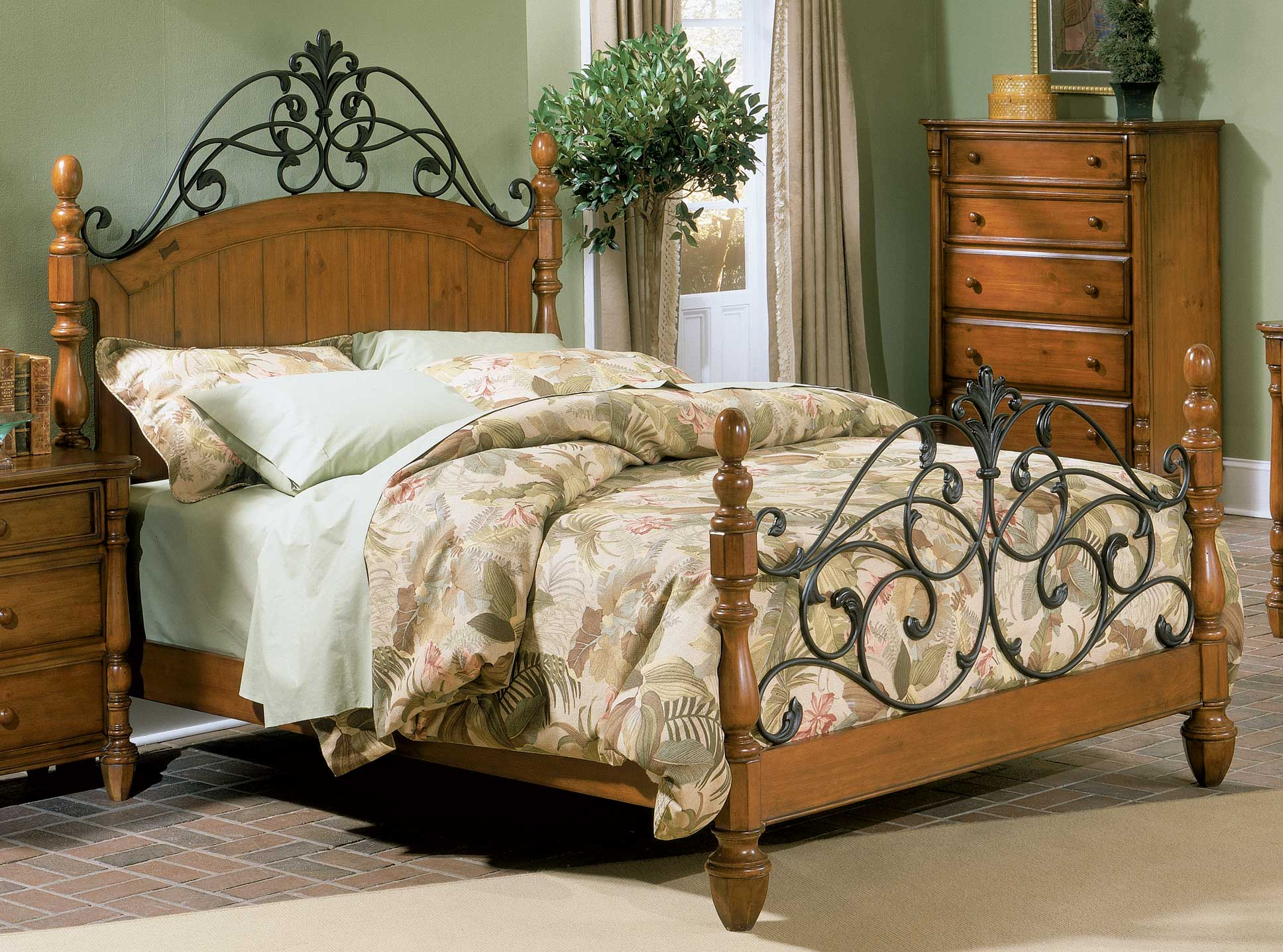Homelegance Shady Brook Bed with Wood Rails