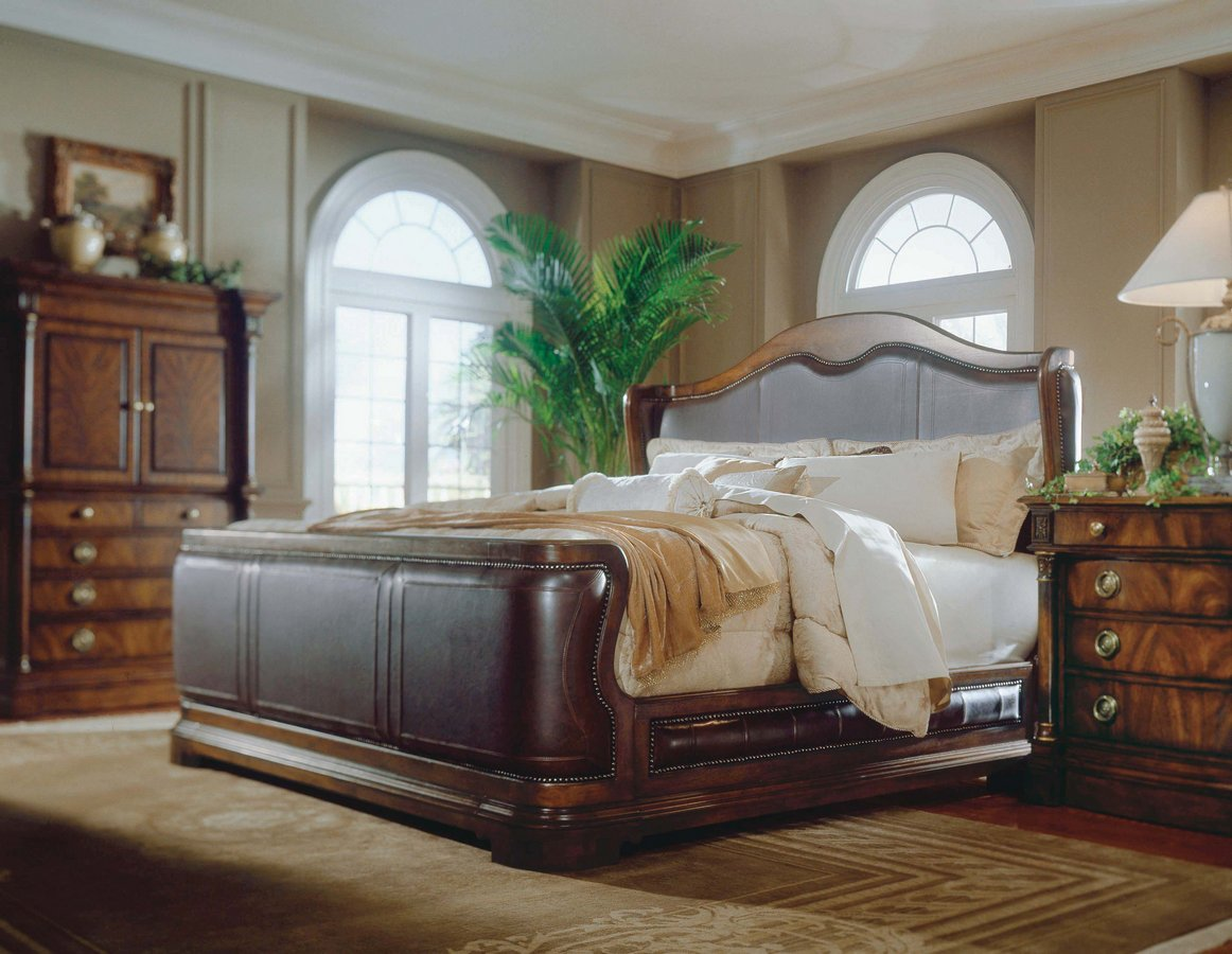 Pulaski Sloane Street Sleigh Bedroom Collection