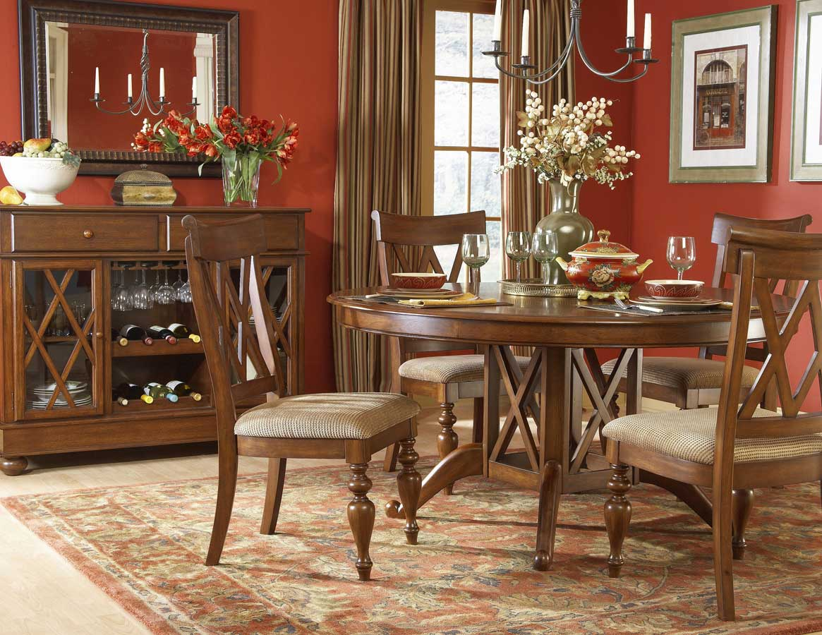 Homelegance Eagles Round Dining Collection