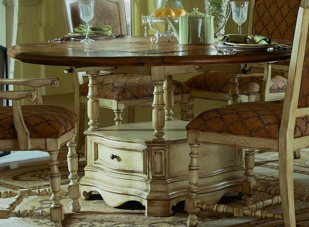 Pulaski Casa Cristina La Cienega Round Dining Collection