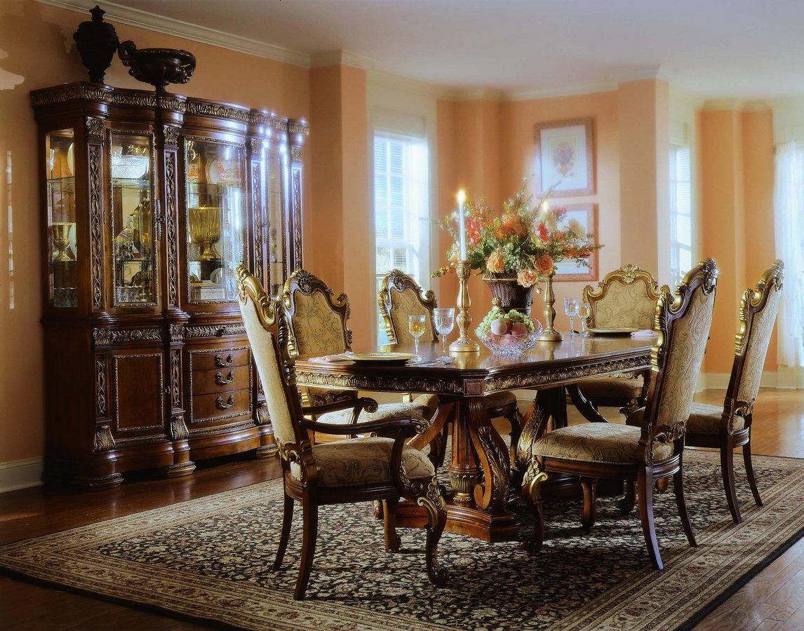 Pulaski Royale Pedestal Dining Collection
