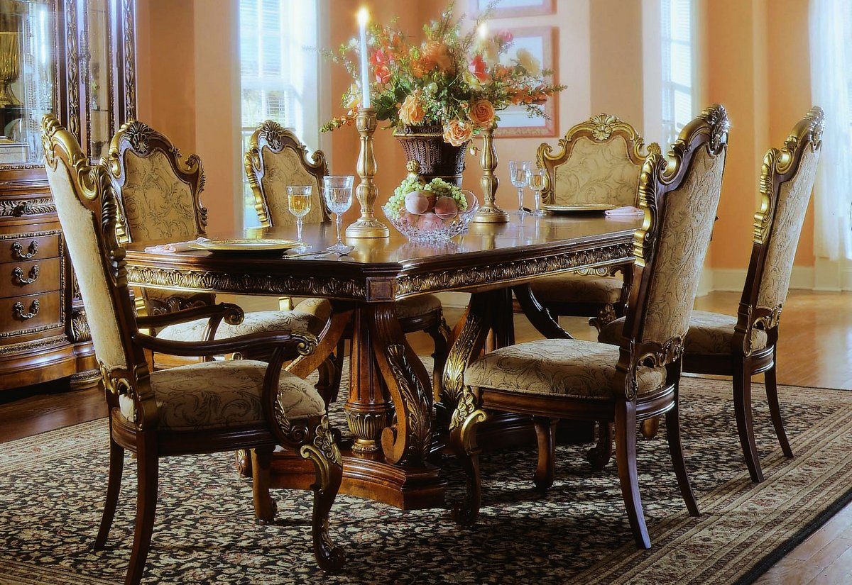 Pulaski Royale Pedestal Dining Collection