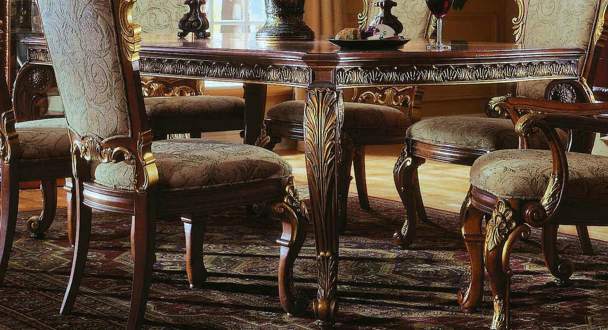 Pulaski Royale Leg Table