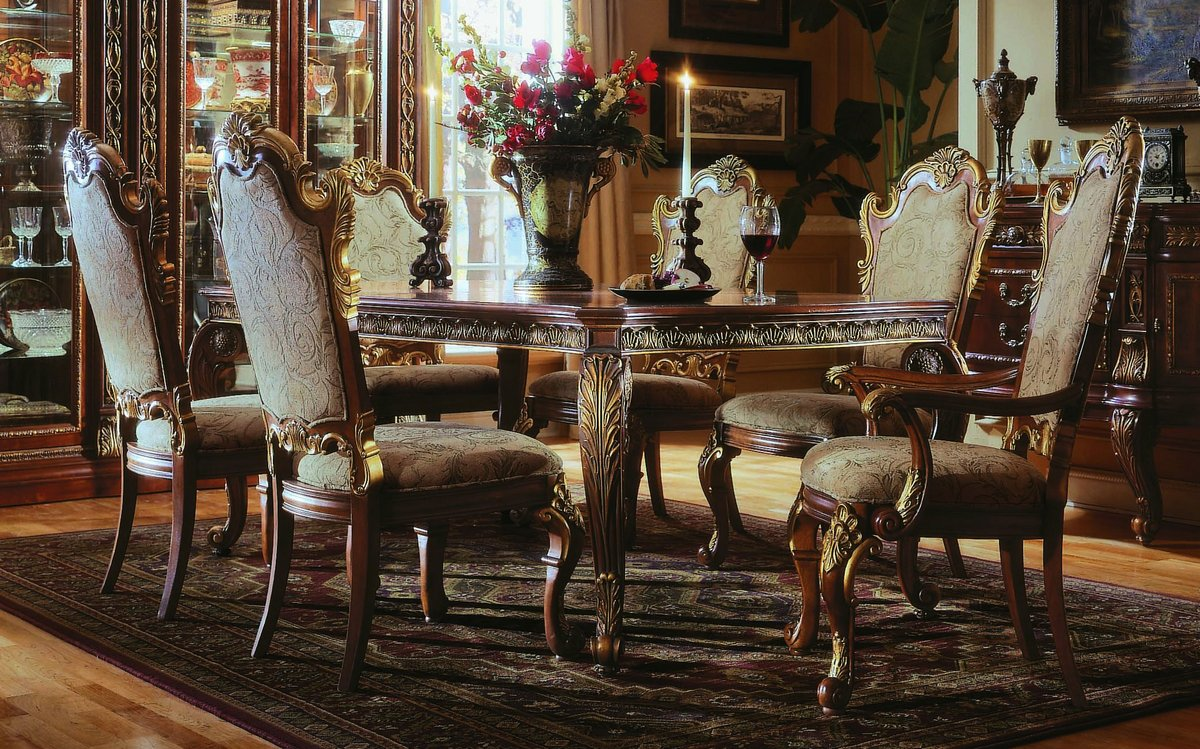 Pulaski Royale Leg Dining Collection