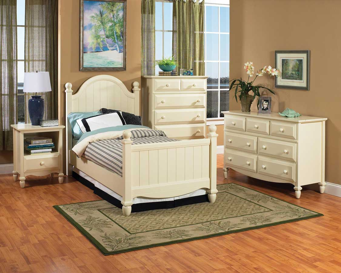 Home Styles Mayfair Bedroom Collection in White