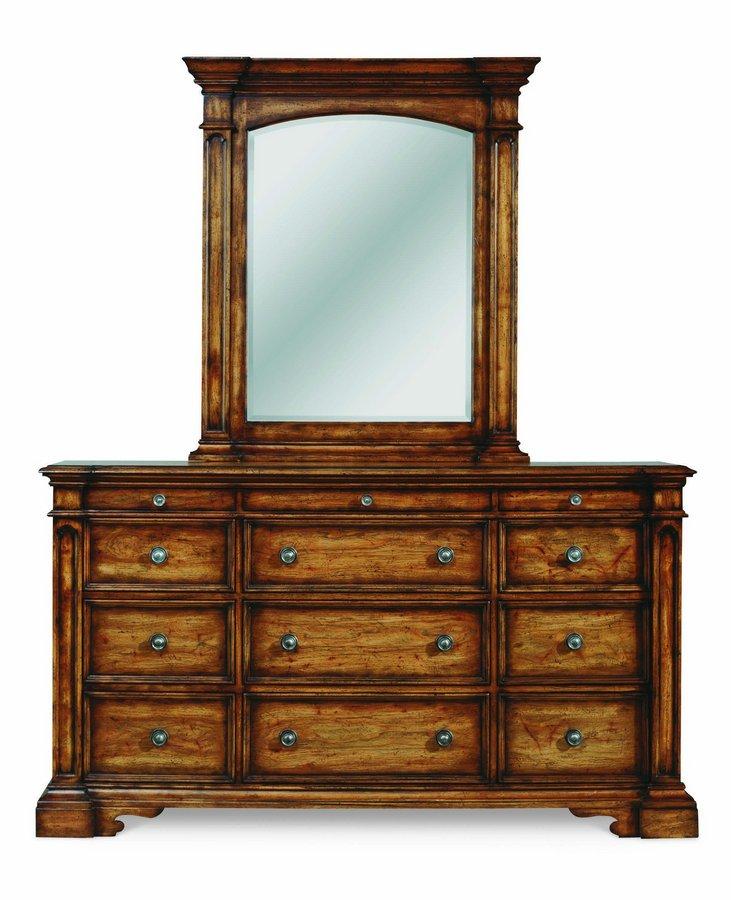 Pulaski Urbana Panel Bedroom Collection