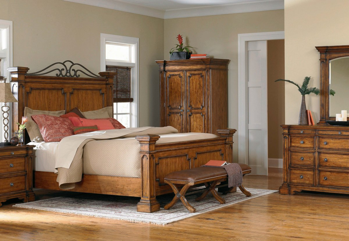 Pulaski Urbana Panel Bedroom Collection