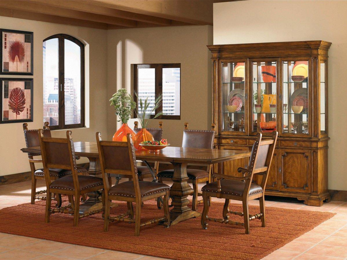 Pulaski Urbana Dining Collection