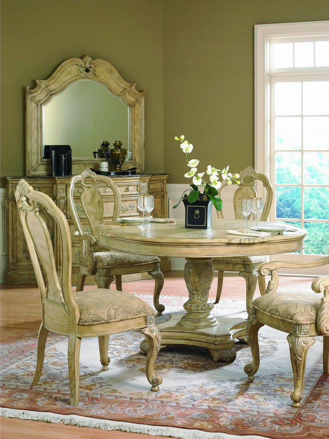 Pulaski Terracina Round Dining Collection