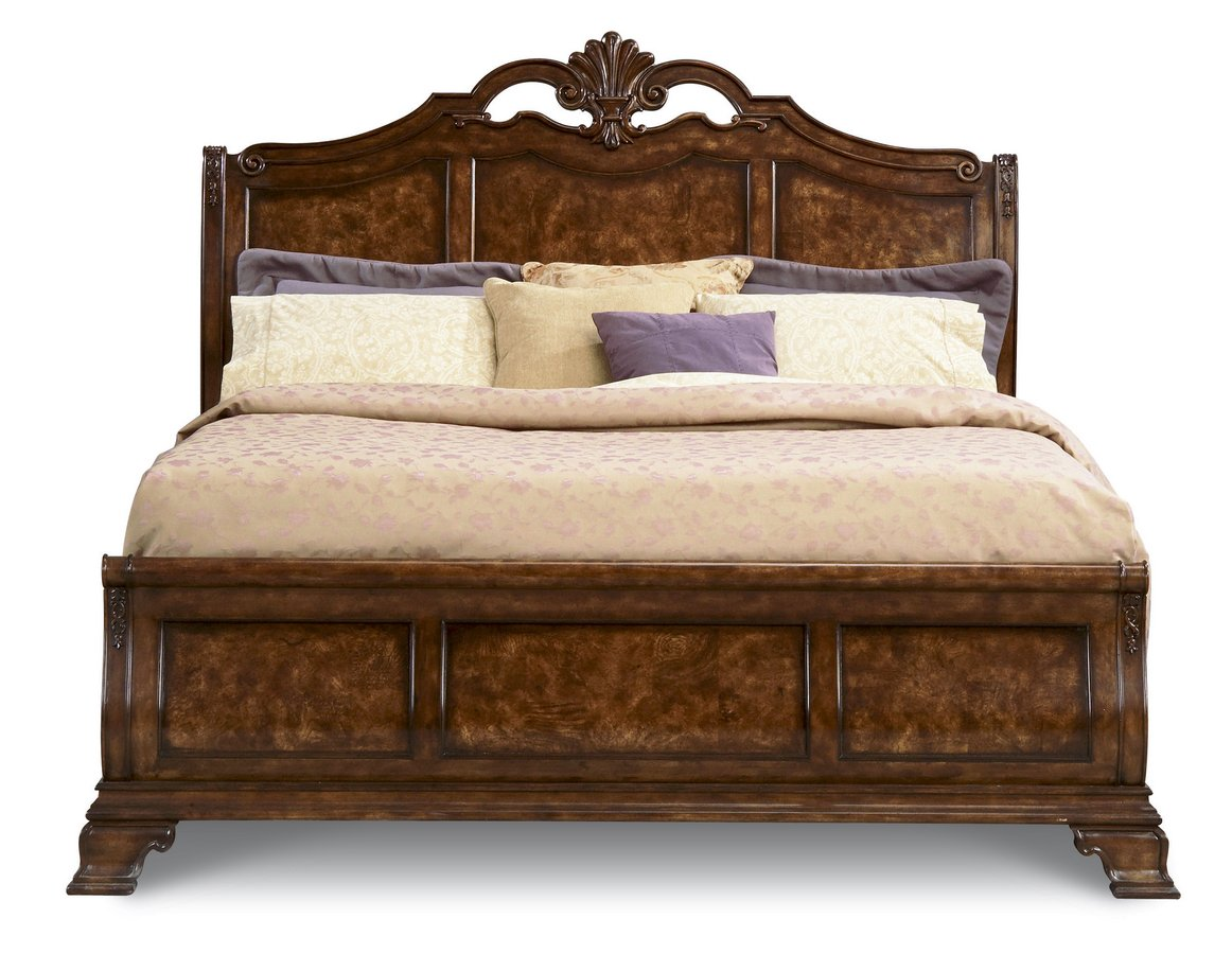 Pulaski Renaissance Court Sleigh Bedroom Collection
