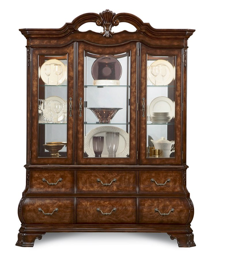 Pulaski Renaissance Court China Cabinet