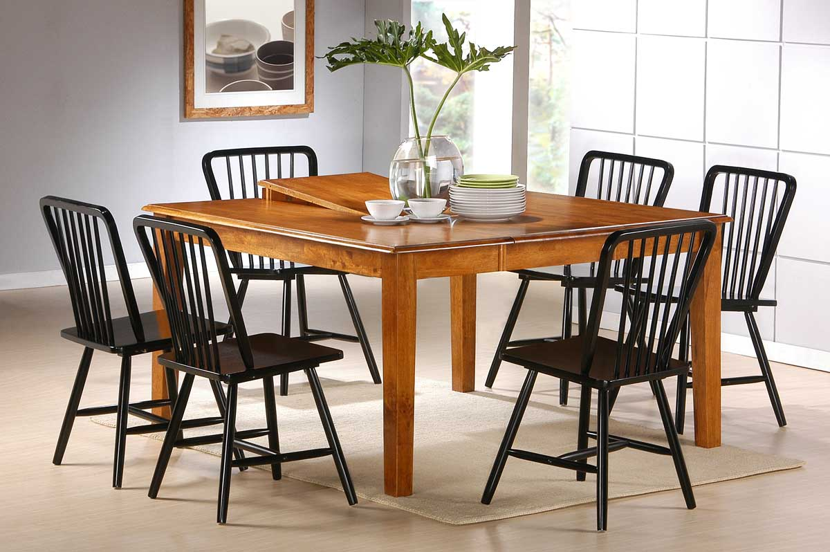 Homelegance Farmingdale Dining Table with Butterfly leaf