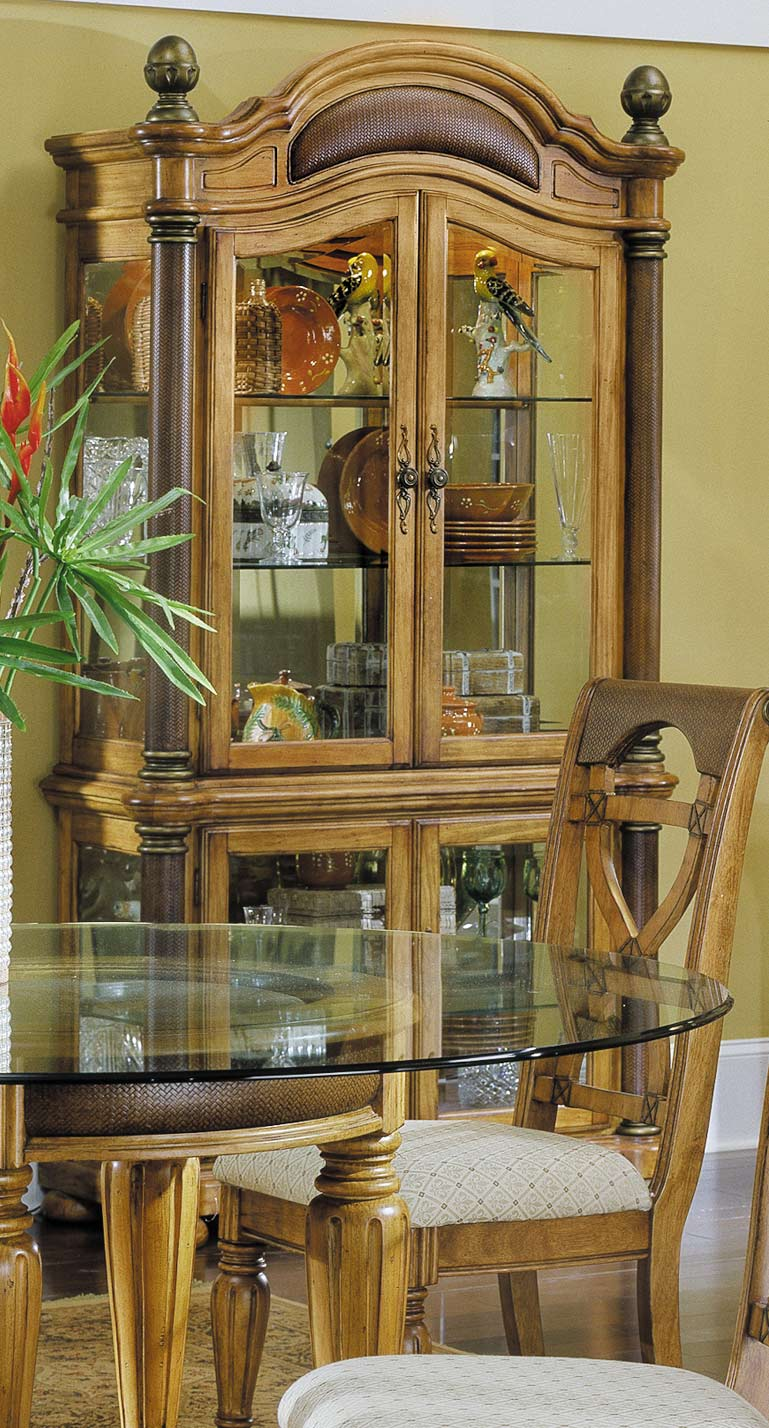 Homelegance Sahara Curio with Lights and Mirror Back