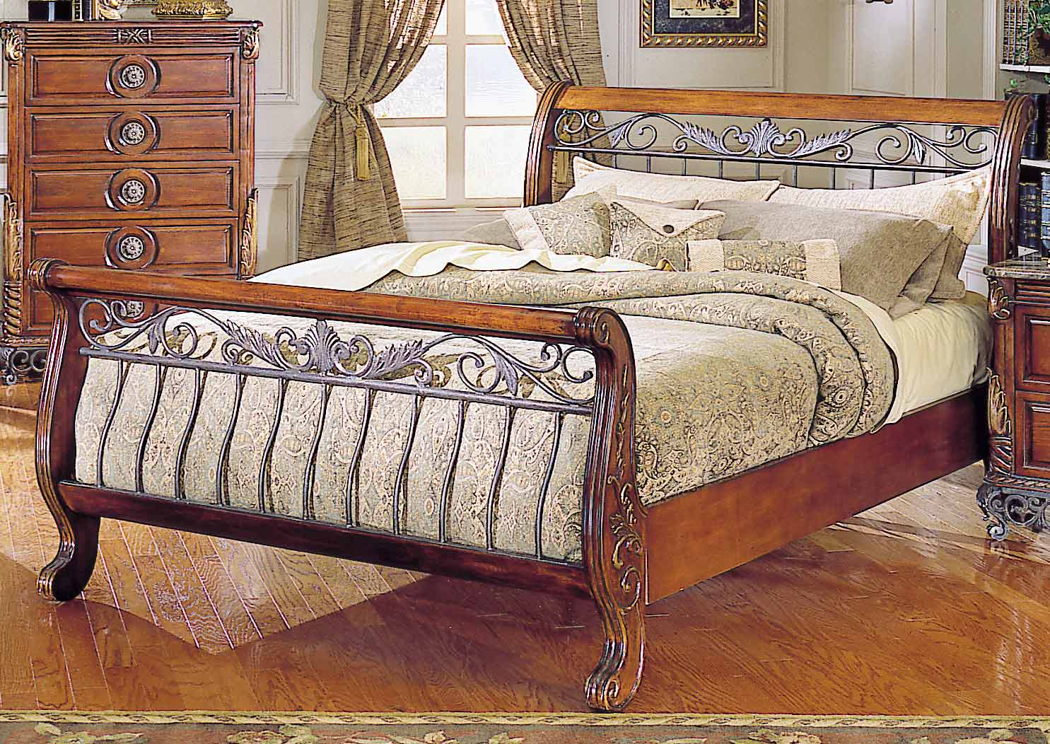 Homelegance Madrid Serpentine Bed with Wood Rails