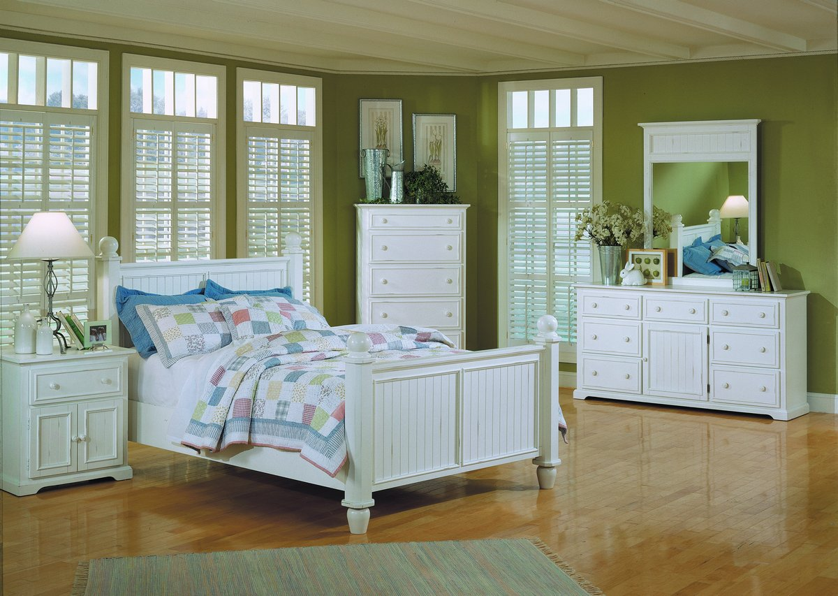 Homelegance Montego Bay 5 Drawer Chest