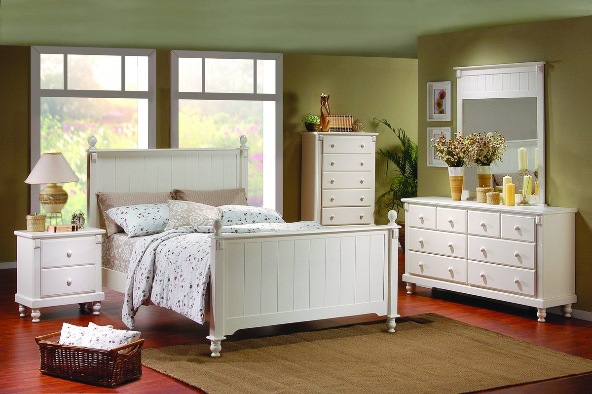 White-bedroom-furnitures-for-your-child,-white-bed,-white-bedside-table,-white-cabinets