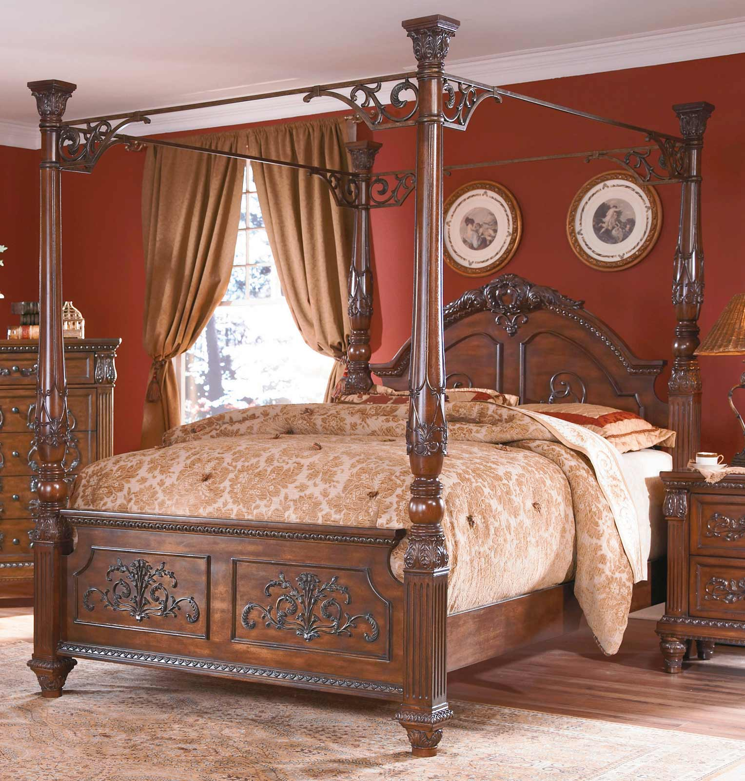 Homelegance Soraya Canopy Bed