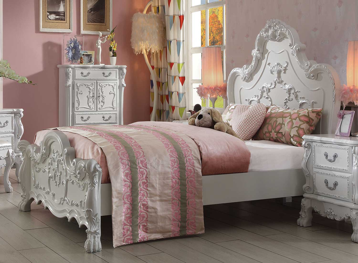 Acme Dresden Bed - Antique White