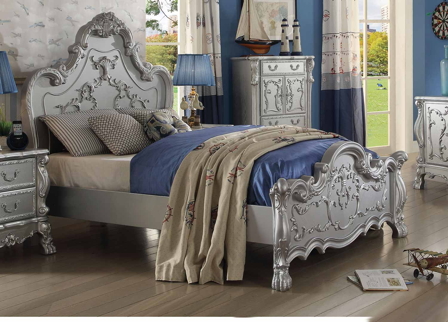 Acme Dresden Bed - Silver