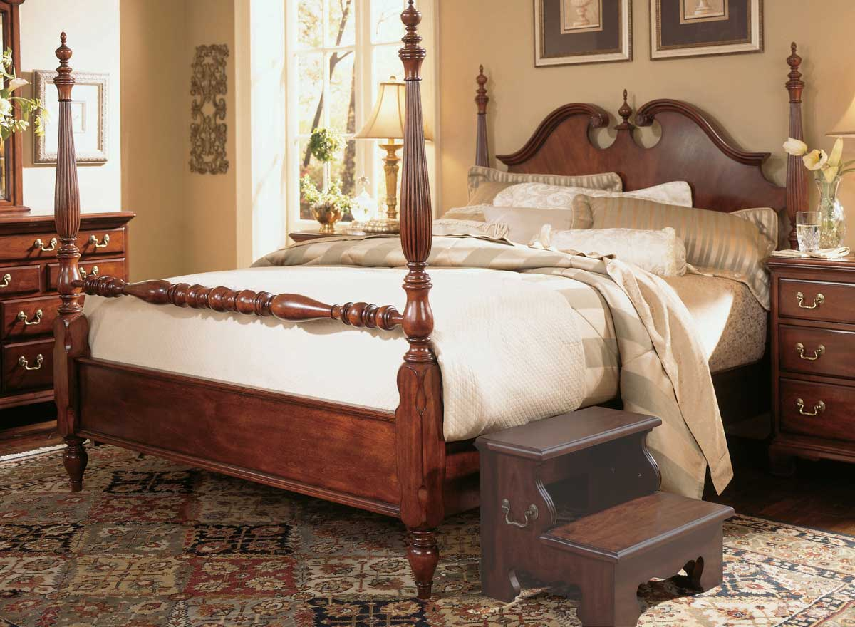 American Drew Cherry Grove Low Poster Bed