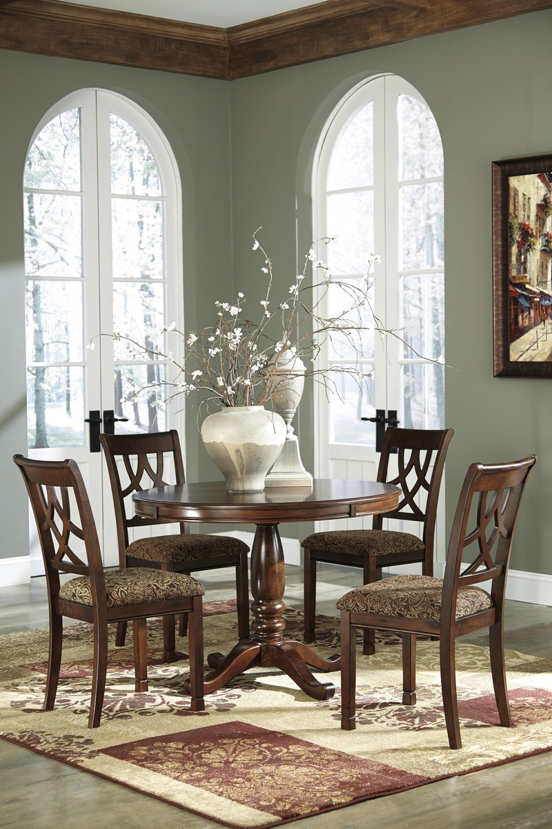 Ashley Leahlyn Round Dining Room Table