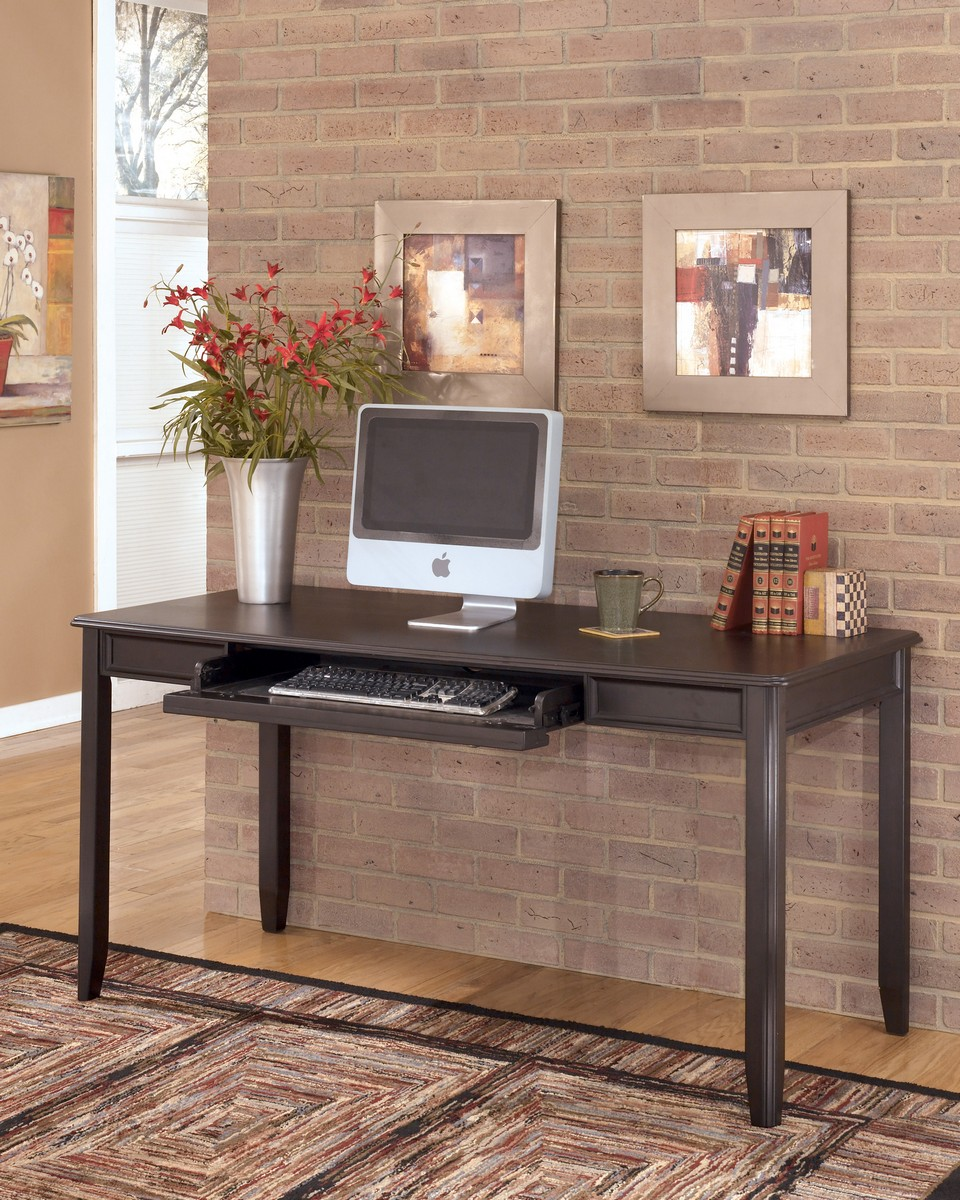 Ashley Carlyle Home Office Large Leg Desk ASHLEY-H371-44