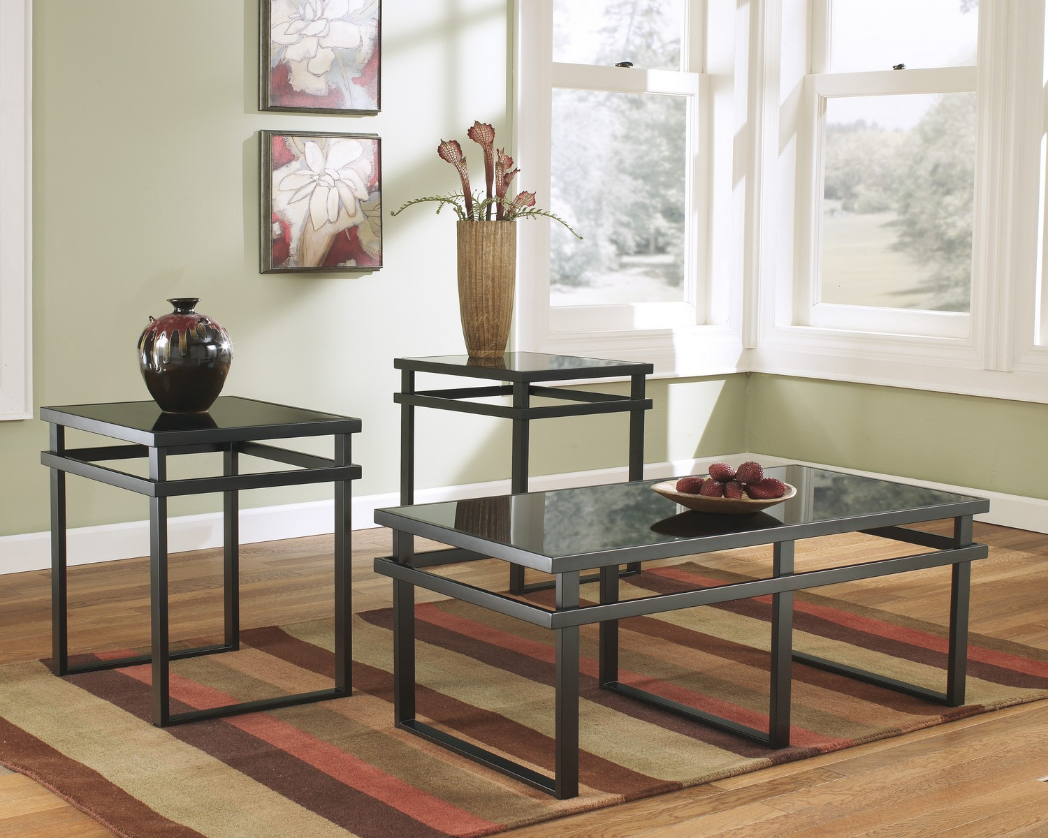 Ashley Laney Occasional Table Set