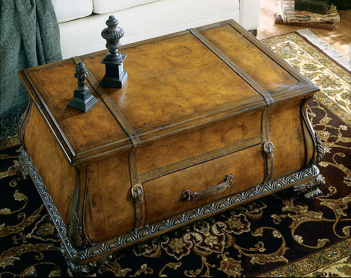 Butler 0553070 Heritage Bombe Trunk Table
