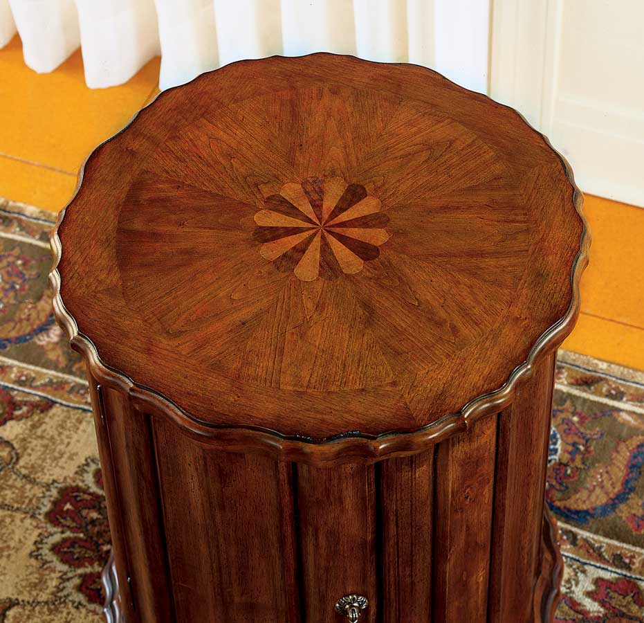 Butler Plantation Cherry Drum Table