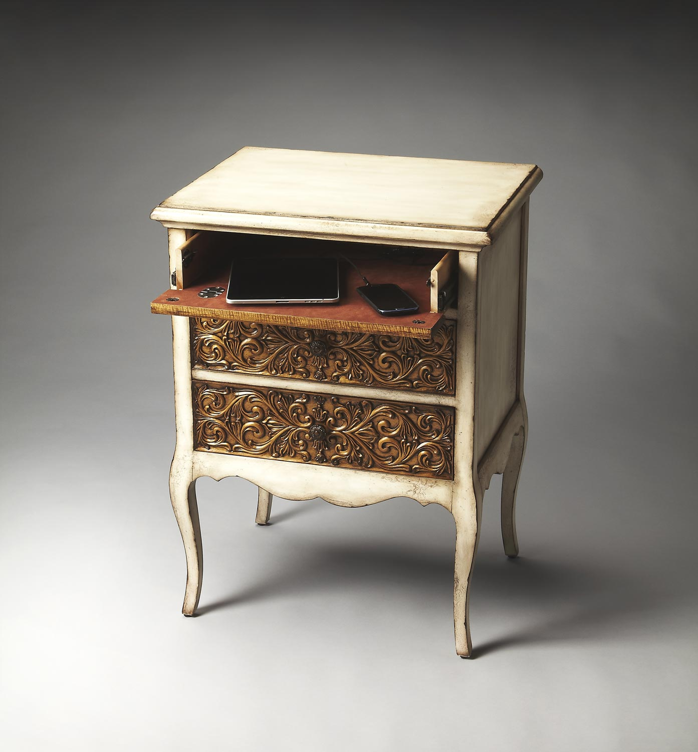 Butler 3107070 Heritage Chest