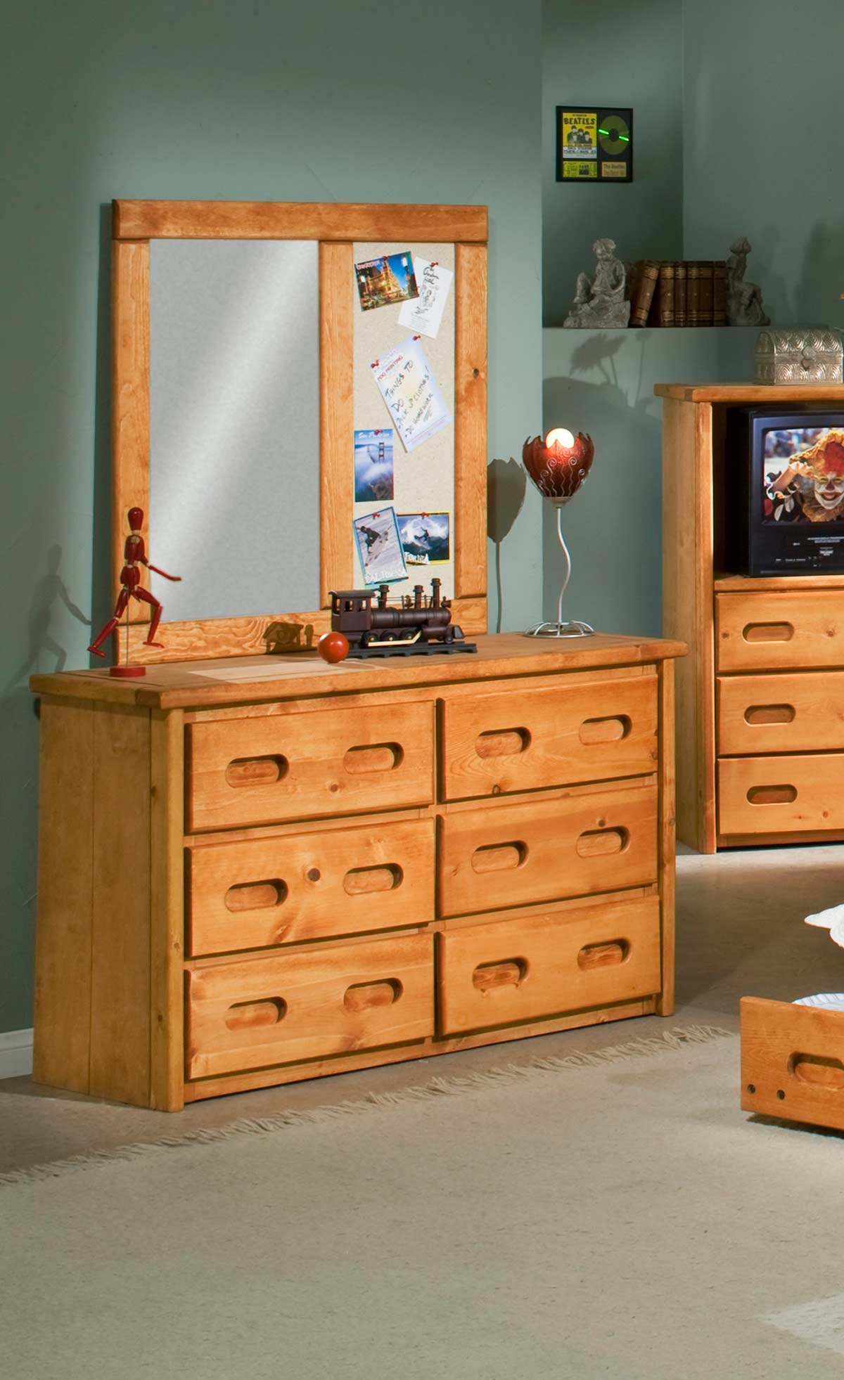 Chelsea Home 3544775-4780 6 Drawer Dresser with Mirror - Cinnamon