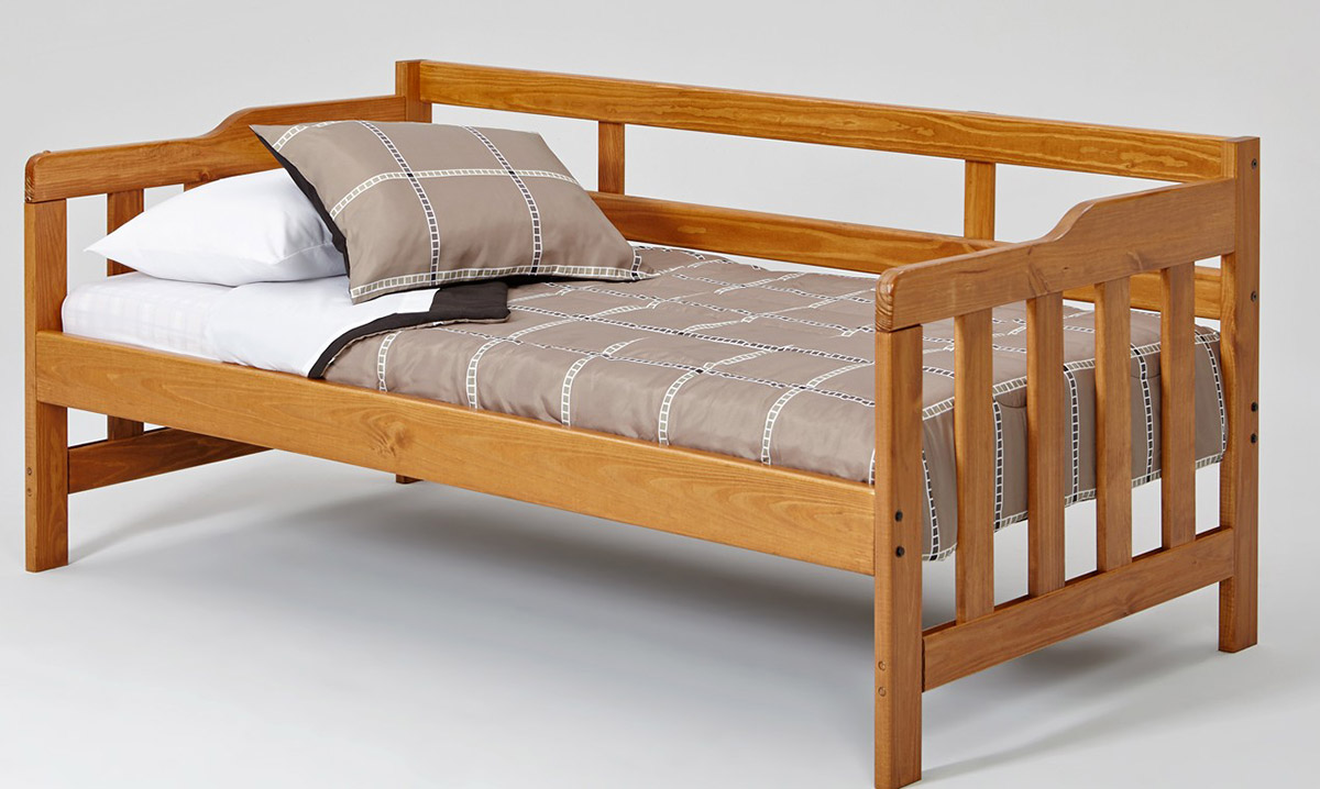 Chelsea Home Twin Pine Day Bed - Honey