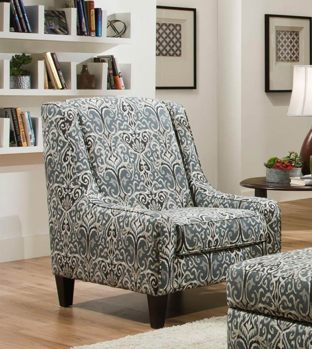 Chelsea Home Caledon Accent chair - Winchester Midnight