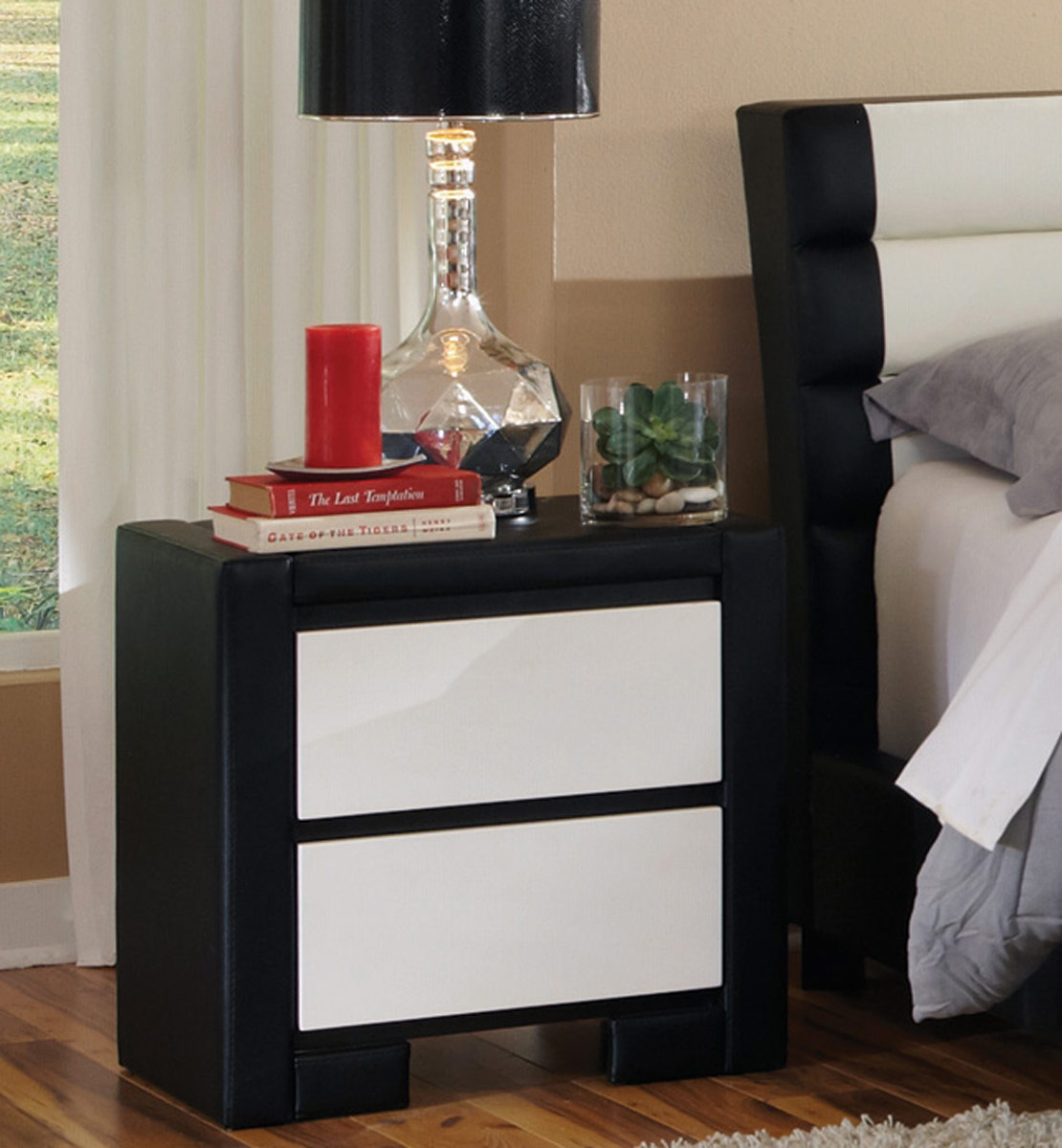 Coaster Regan Night Stand - White