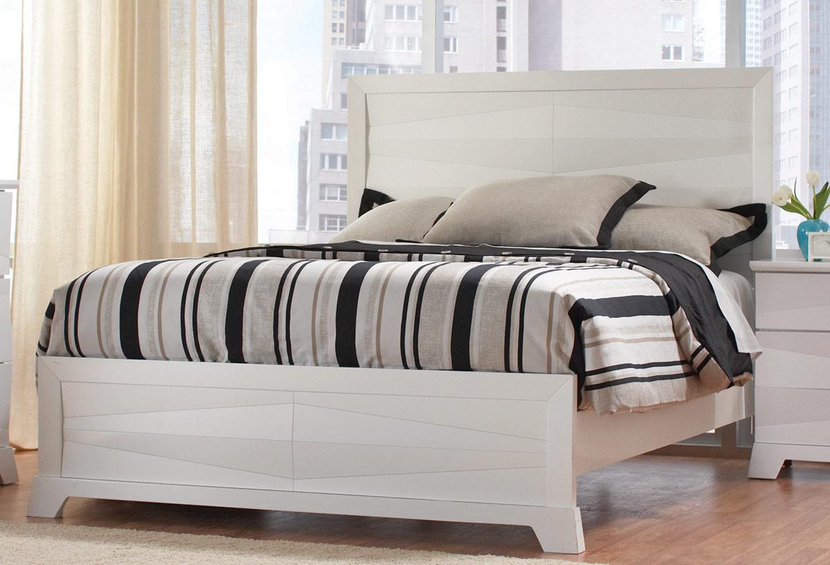 Coaster Karolina Bed - White