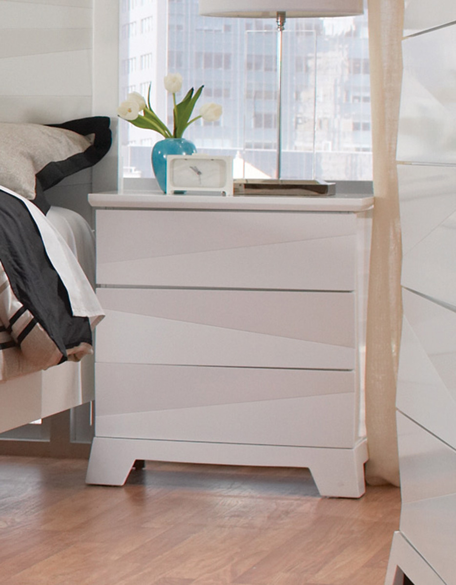 Coaster Karolina Night Stand - White