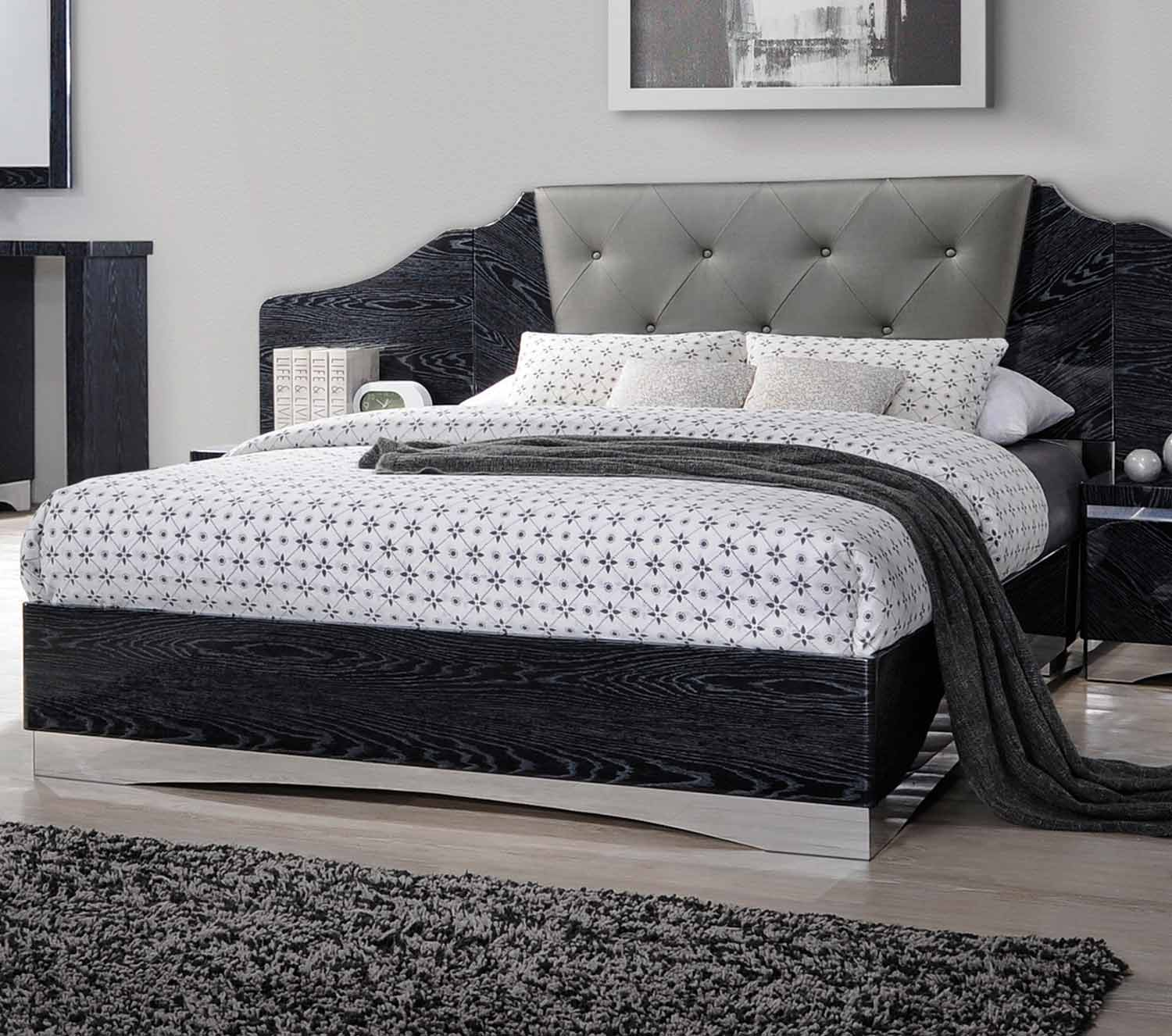 Coaster Alessandro Upholstered Bed - Glossy Black