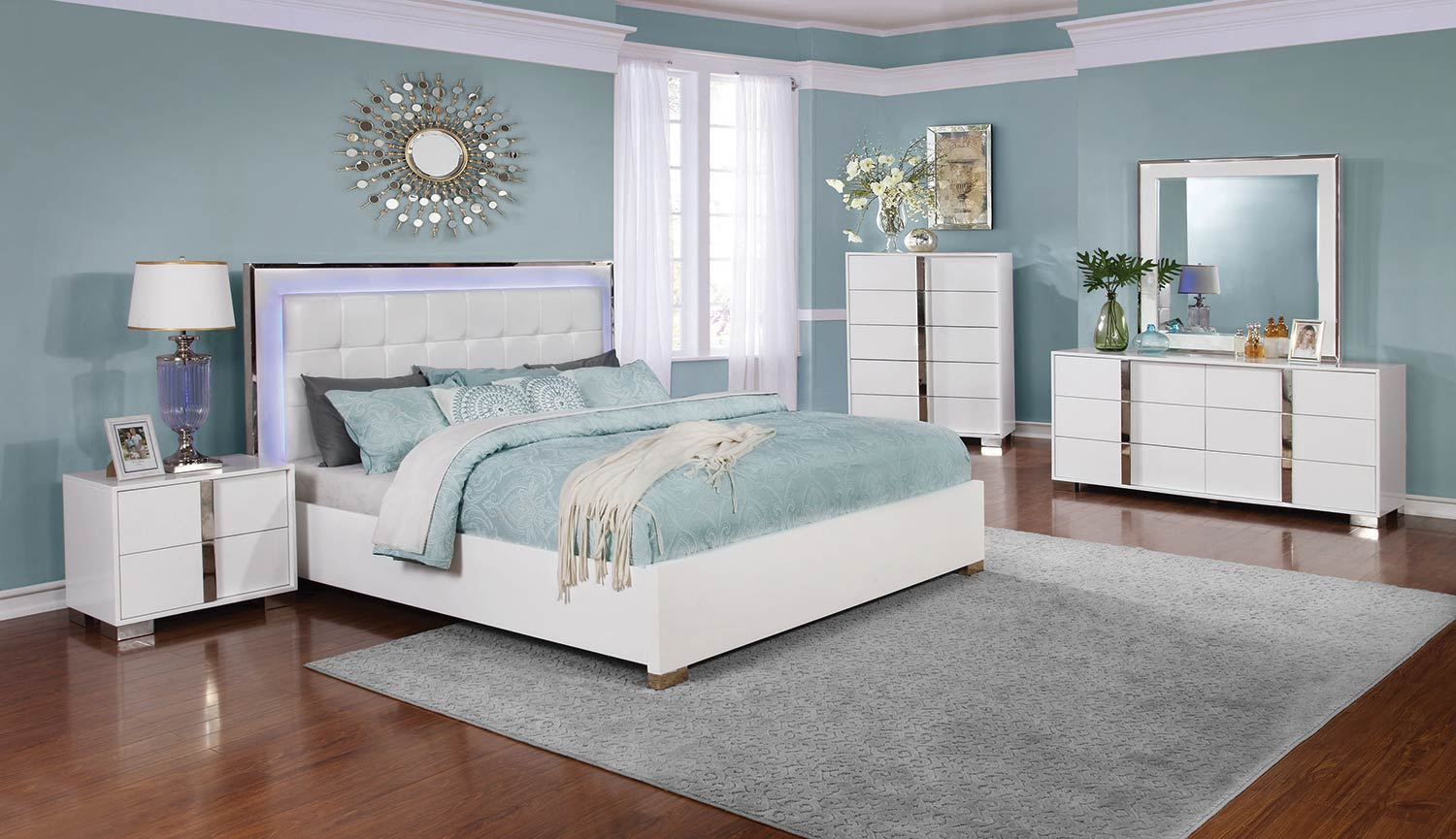 Coaster Traynor Bedroom Collection - Glossy White