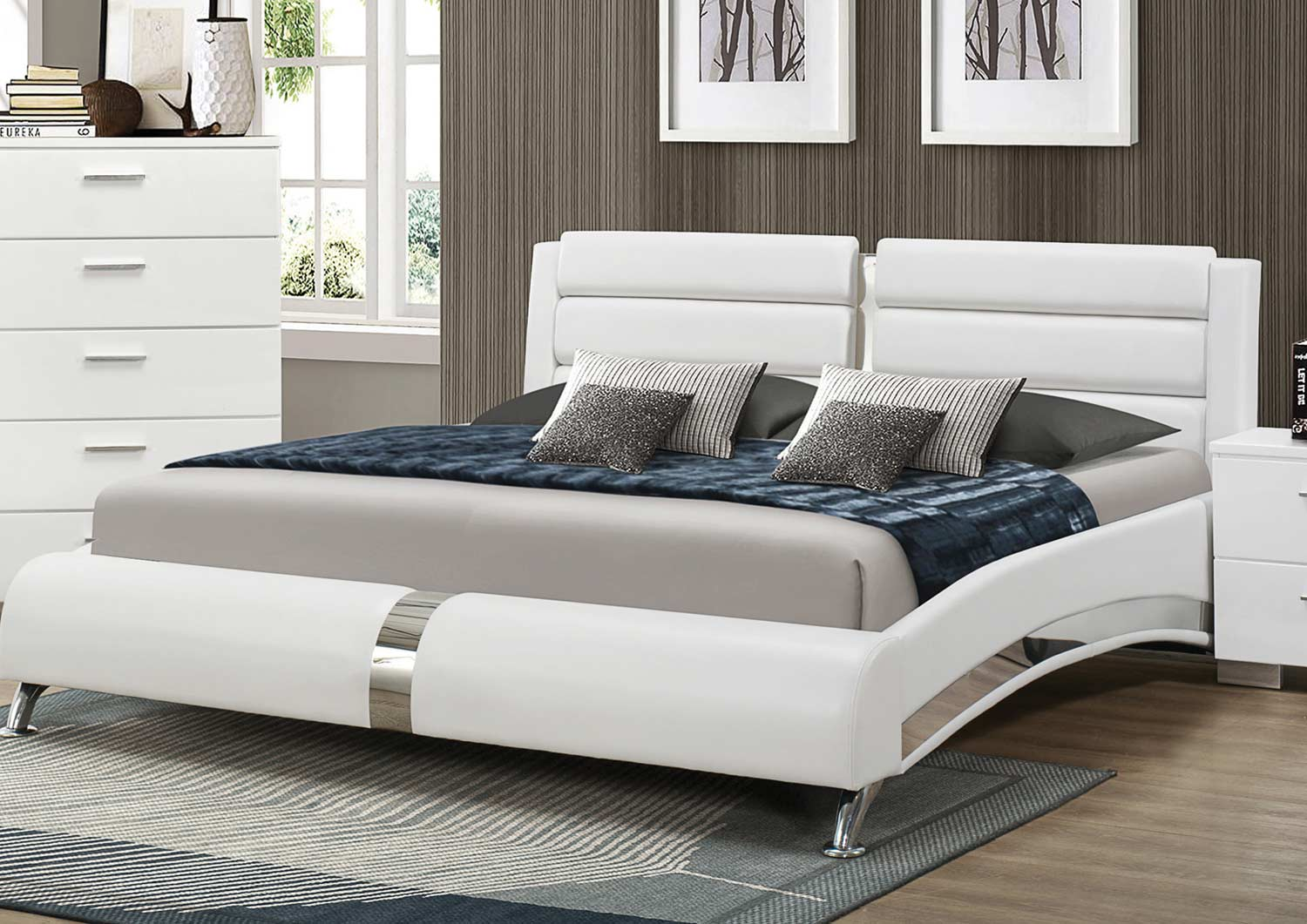 Coaster felicity bedroom set white 203501 bed set at for Queen size bed furniture