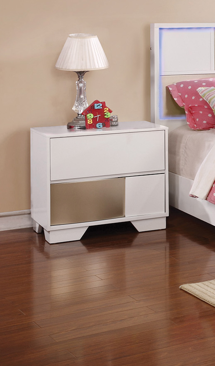 Coaster Havering Nightstand - Blanco/Sterling