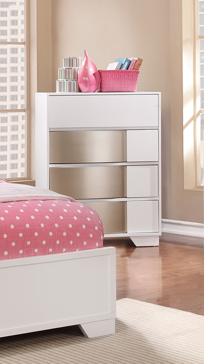 Coaster Havering Chest - Blanco/Sterling