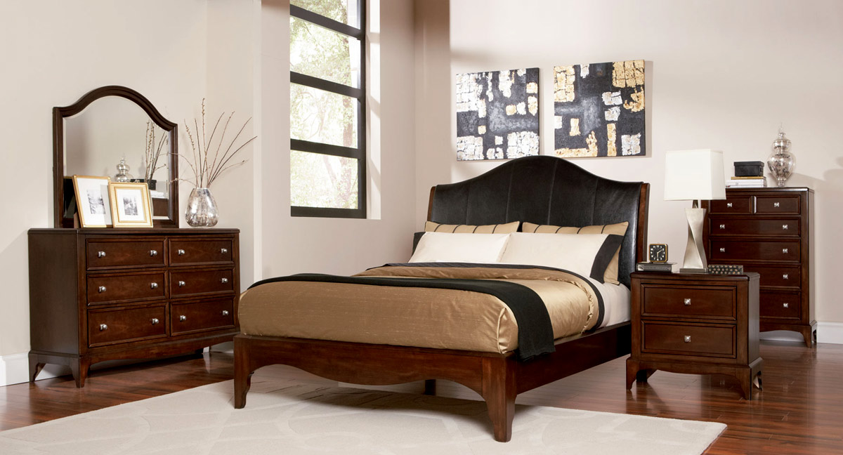 Coaster Lovinelli Bedroom Set