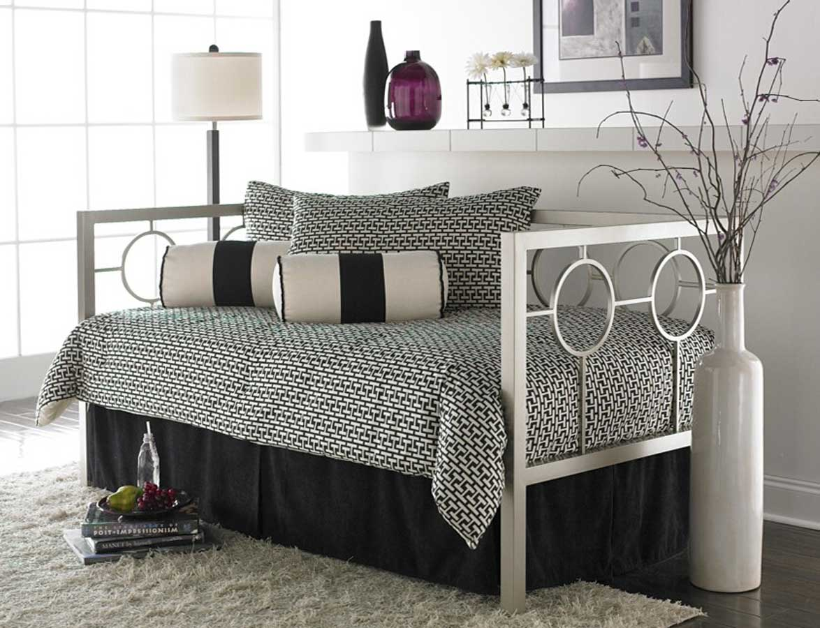 Cheap Fashion Bed Group Astoria Daybed-Champagne