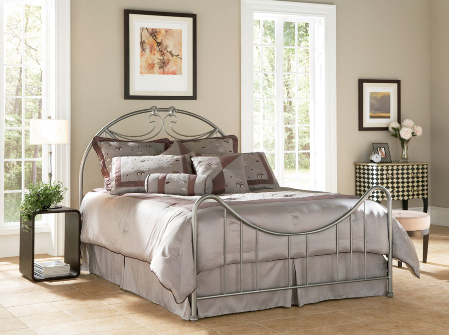 Fashion Bed Group Deco Bed