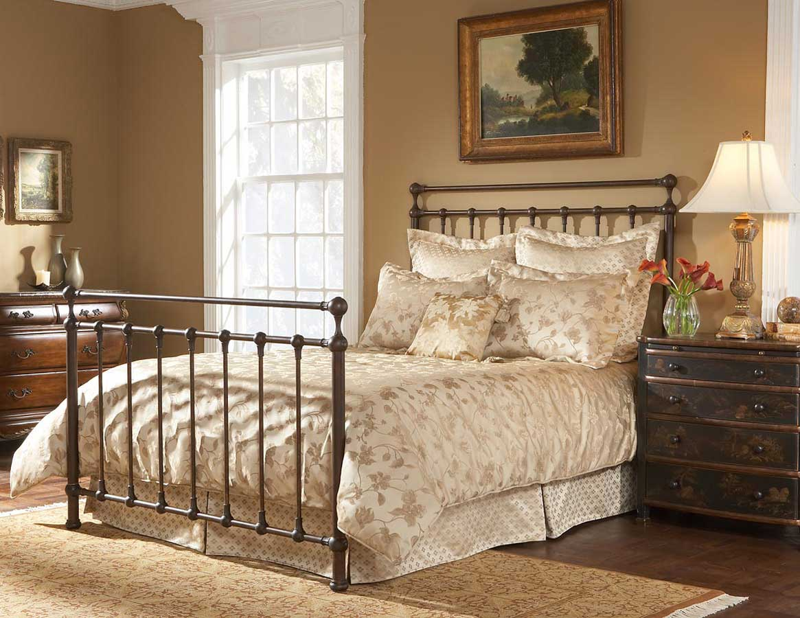 Fashion Bed Group Langley Bed