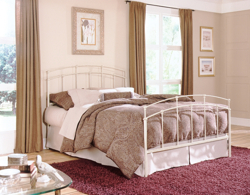 Fashion Bed Group Fenton Bed in Black Walnut