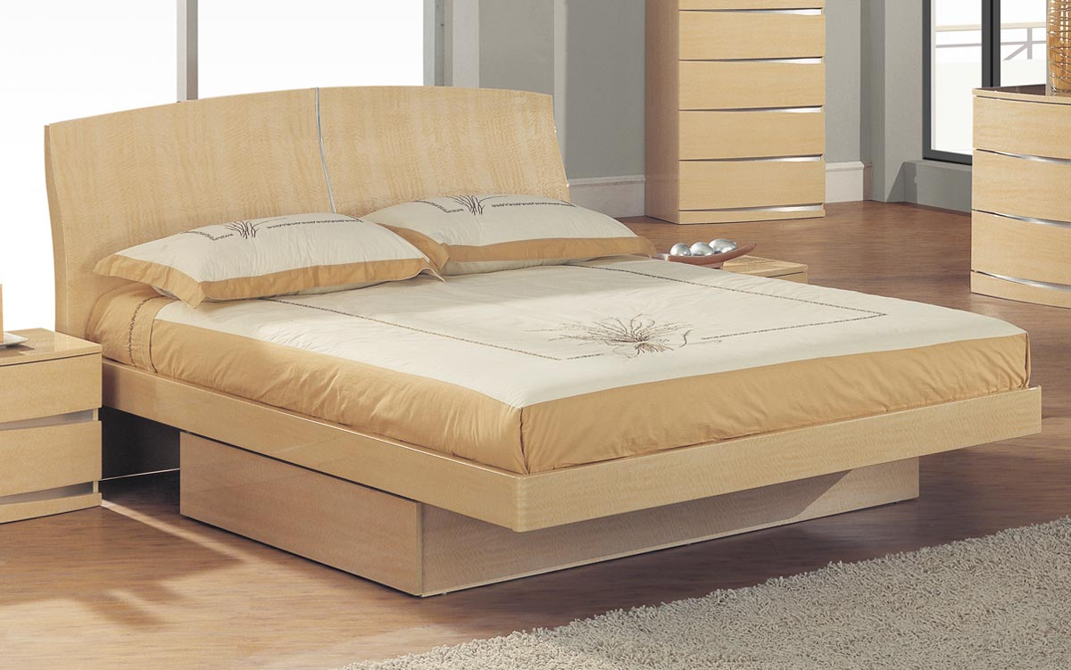 Global Furniture USA Aria Platform Bed - Maple