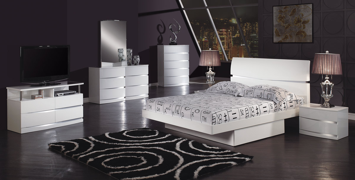 Global Furniture USA Aurora Platform Bedroom Set   White