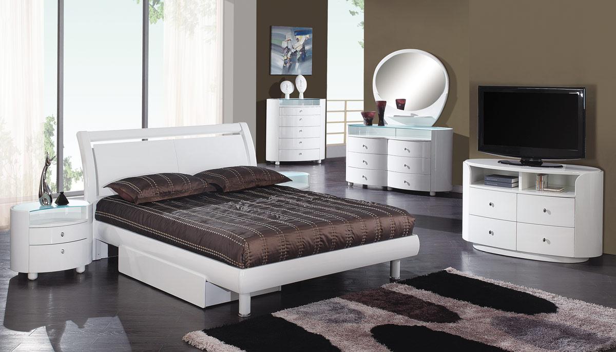 Global Furniture USA Emily Platform Bedroom Collection - White