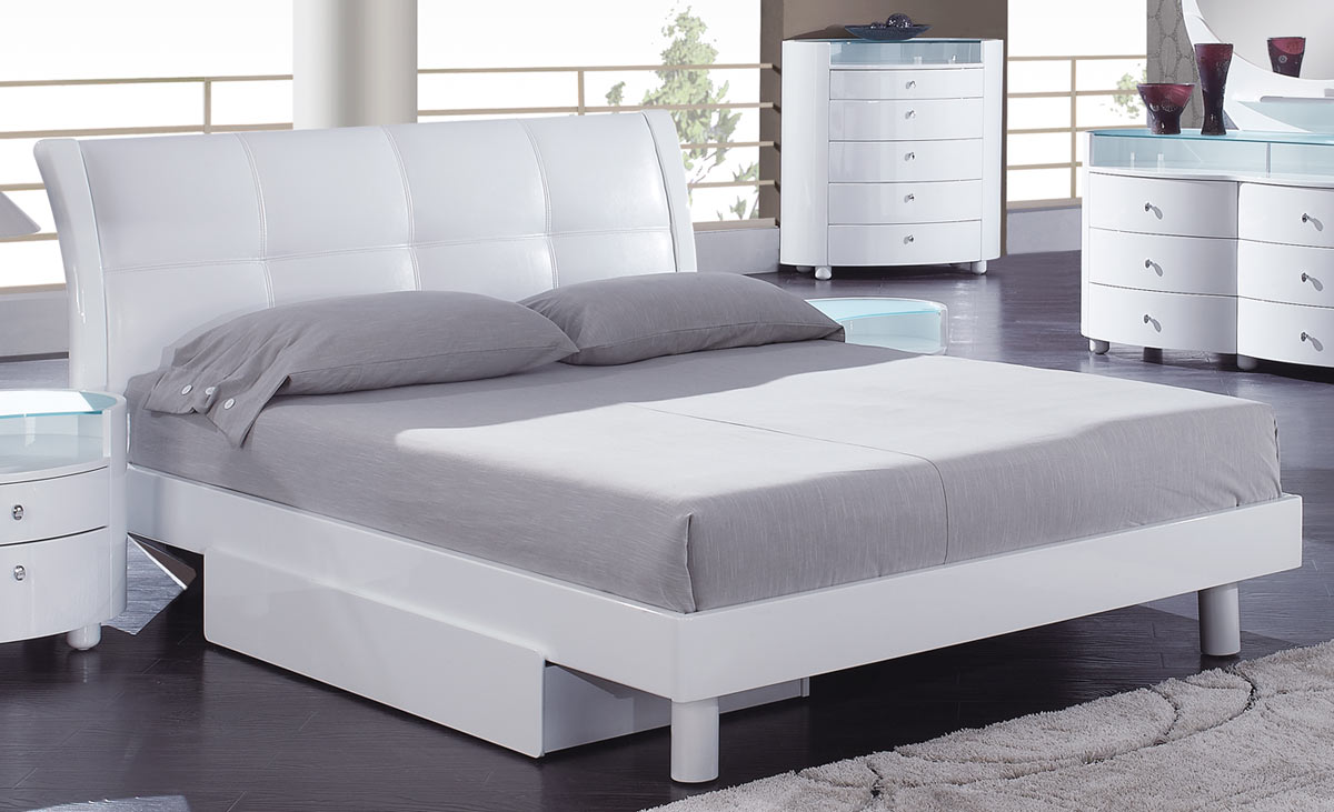 Evelyn Platform Bed - White - Global Furniture